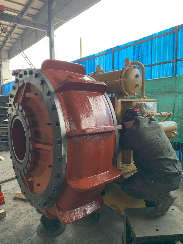 300WN挖泥泵装配中